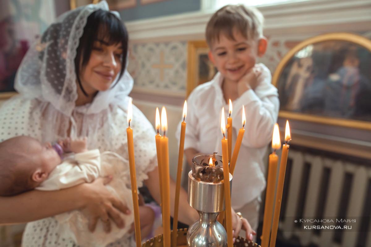 Нежные кадры мамы с сыном после крещения