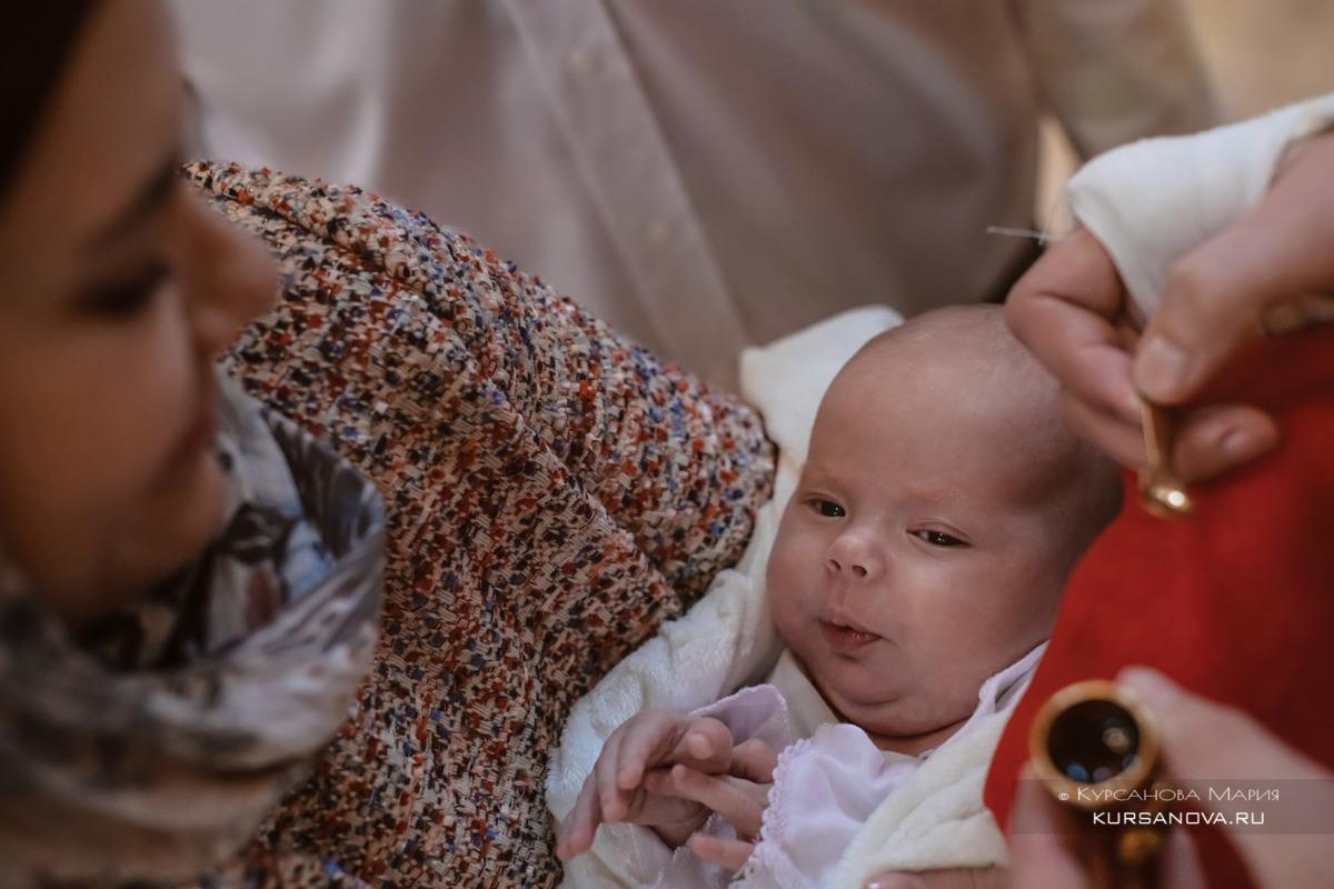 Фотограф, крещение малышей в Храме святых апостолов Петра и Павла