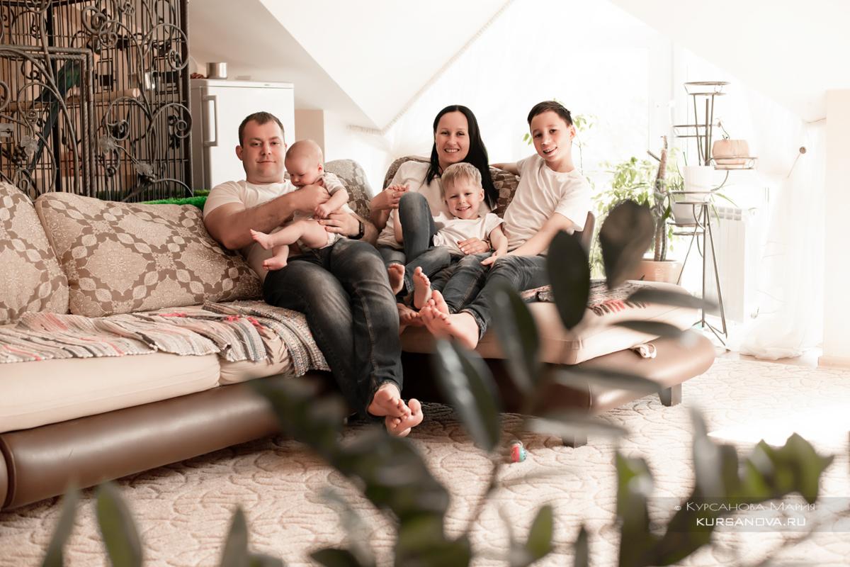 Фотосессия малышей в домашней обстановке