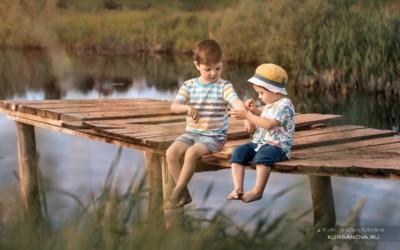 Детская фотосессия на природе, лето закат.
