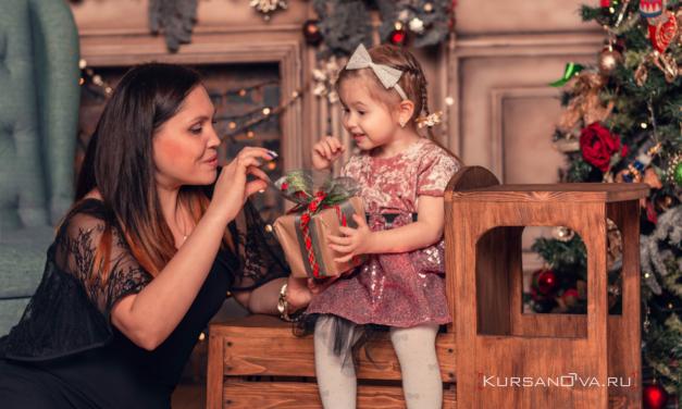 Новогодняя семейная фотосессия в студии Нижнего Новгорода